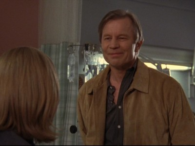Gilmore Girls - 04x20 Luke Can See Her Face
