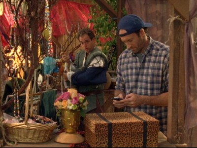 Gilmore Girls - 05x02 A Messenger, Nothing More