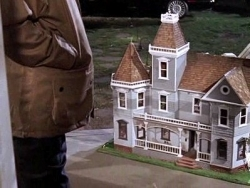 Gilmore Girls - 06x06 Welcome to the Doll House
