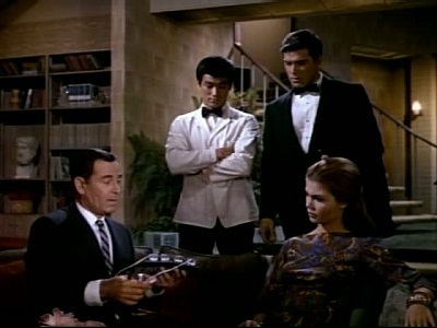 The Green Hornet - 01x26 Invasion from Outer Space (2) Screenshot
