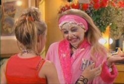 Hannah Montana - 01x01 Lilly, Do You Want To Know A Secret? (Pilot)