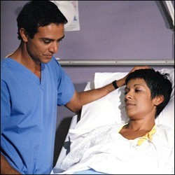 Holby City (UK) - 07x07 Moment of Truth