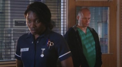 Holby City (UK) - 09x51 Duty of Care: Part 1 Screenshot