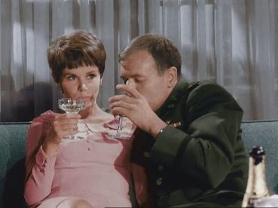 I Dream of Jeannie - 01x18 Is There an Extra Genie in the House?