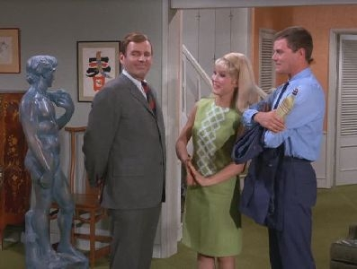 I Dream of Jeannie - 02x03 My Master, the Rich Tycoon