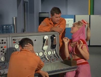 I Dream of Jeannie - 03x01 Fly Me to the Moon