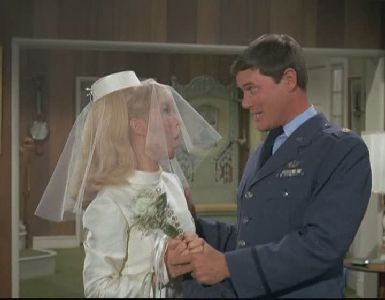 I Dream of Jeannie - 04x14 The Case of My Vanishing Master (2)