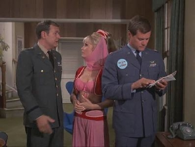 I Dream of Jeannie - 04x17 Jeannie, the Governor's Wife