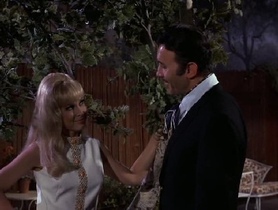 I Dream of Jeannie - 05x12 My Sister, the Homewrecker