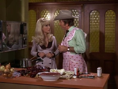 I Dream of Jeannie - 05x26 My Master, the Chili King