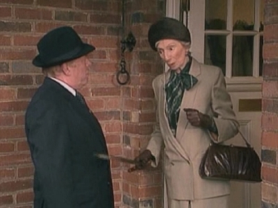 Keeping Up Appearances (UK) - 02x02 Driving Mrs. Fortescue