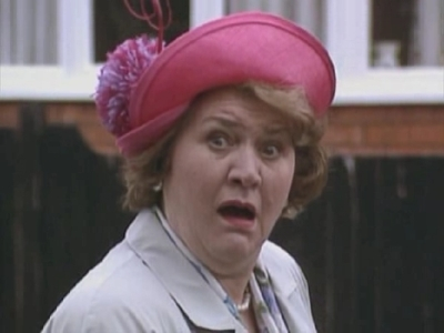 Keeping Up Appearances (UK) - 02x05 Problems with Relatives
