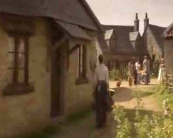 Lark Rise To Candleford (UK) - 01x02 The Escapee