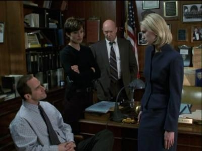 Law & Order: Special Victims Unit - 02x18 Manhunt