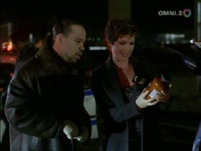 Law & Order: Special Victims Unit - 03x14 Counterfeit