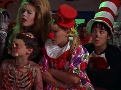Lizzie McGuire - 01x24 Night of the Day of the Dead