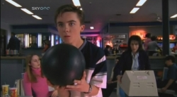 Malcolm in the Middle - 02x20 Bowling