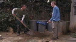 Malcolm in the Middle - 07x18 Bomb Shelter