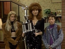 Married ... with Children - 04x19 Peggy Turns 300