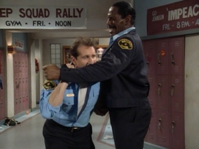 Married ... with Children - 05x16 All Night Security Dude