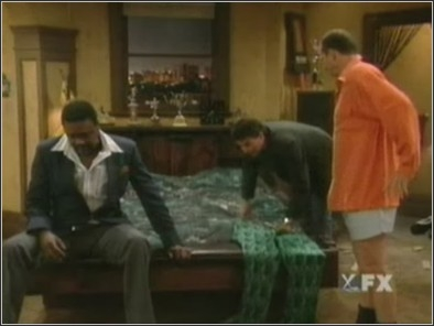 Married ... with Children - 11x15 Breaking up is Easy to Do (2) Screenshot