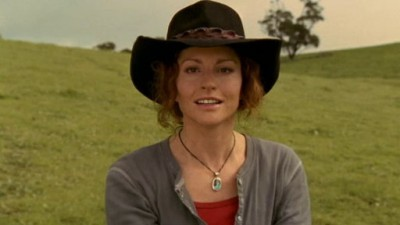 McLeod's Daughters (AU) - 04x01 Out of the Ashes