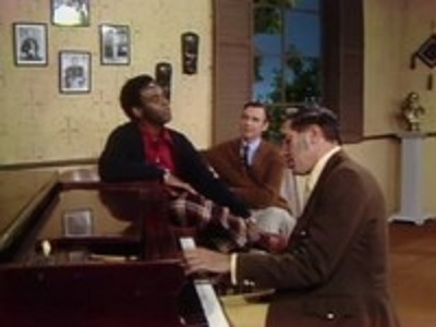 Mister Rogers' Neighborhood - 08x06 Show 1396