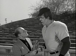 The Munsters - 01x29 Herman the Rookie