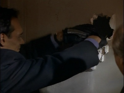 NYPD Blue - 04x11 Alice Doesn't Fit Here Anymore