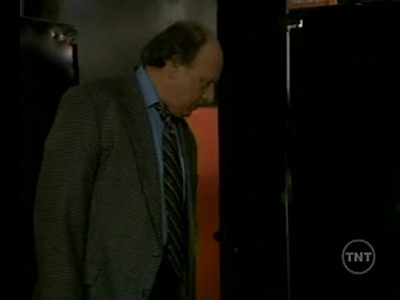 NYPD Blue - 07x03 The Man with Two Right Shoes