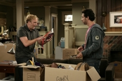 Gary Unmarried - 01x04 Gary Gets His Stuff Back