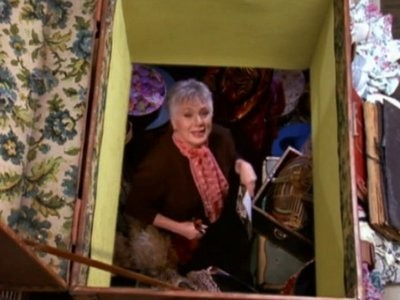 Sabrina, the Teenage Witch - 04x04 Little Orphan Hilda
