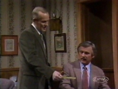 Saturday Night Live - 09x07 Smothers Brothers/Big Country