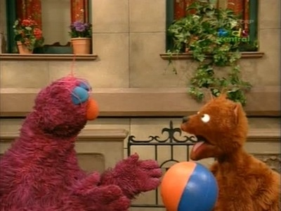 Sesame Street - 36x01 Telly Learns to Catch a Ball