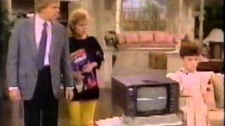 Small Wonder - 04x06 Love at First Byte