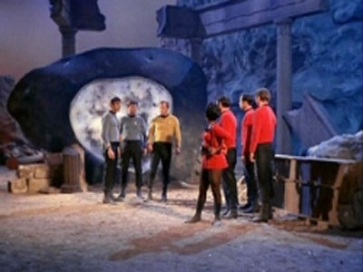 Star Trek: The Original Series - 01x28 The City on the Edge of Forever