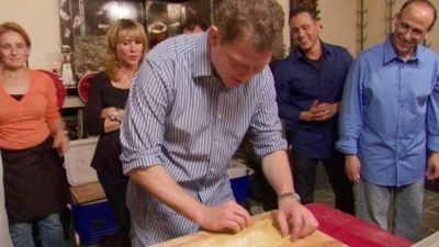 Throwdown with Bobby Flay - 06x02 Ravioli