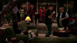 Two and a Half Men - 04x11 Walnuts and Demerol