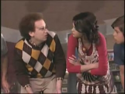 Wizards of Waverly Place - 02x18 Hugh's Not Normous