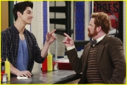 Wizards of Waverly Place - 02x19 Don't Rain on Justin's Parade - Earth