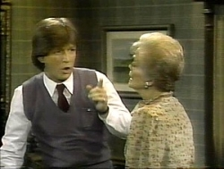 WKRP in Cincinnati - 04x10 Love, Exciting and New