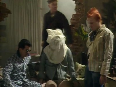 The Young Ones (UK) - 02x05 Time