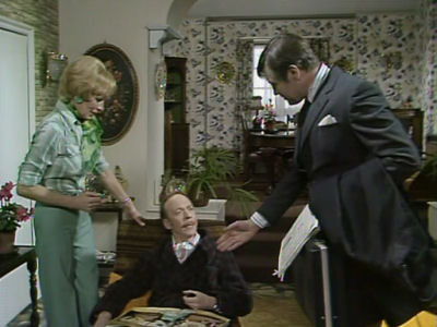 George and Mildred (UK) - 02x03 The Travelling Man