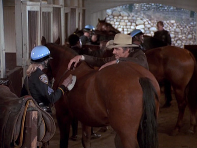 McCloud - 05x04 The 42nd Street Cavalry