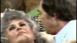 Maude - 04x02 Consenting Adults