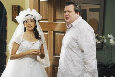 Modern Family - 01x12 Not in My House