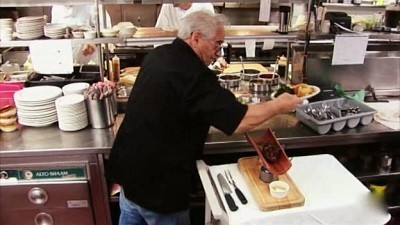 Kitchen nightmares 3x02 flamangos sharetv for Kitchen nightmares updates