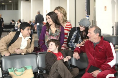 Modern Family - 01x22 Airport 2010