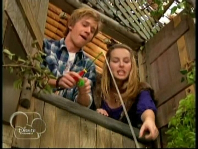 Good Luck Charlie - 01x09 Up a Tree