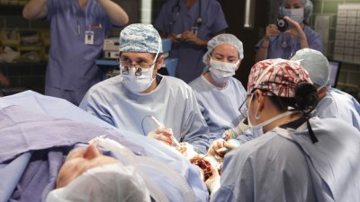 Grey's Anatomy - 07x06 These Arms of Mine